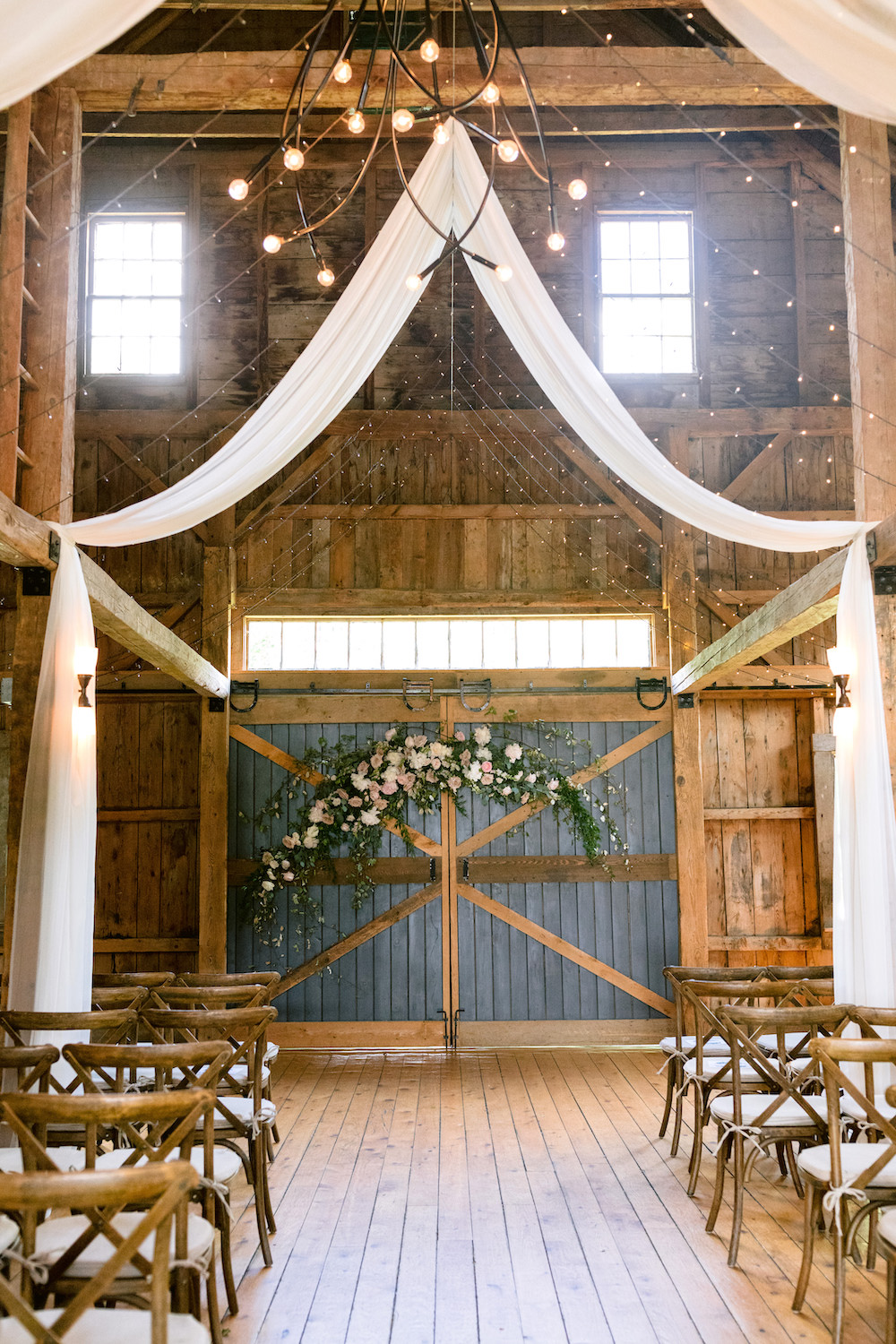 Pastel hued wedding at the barn at Flanagan Farm.